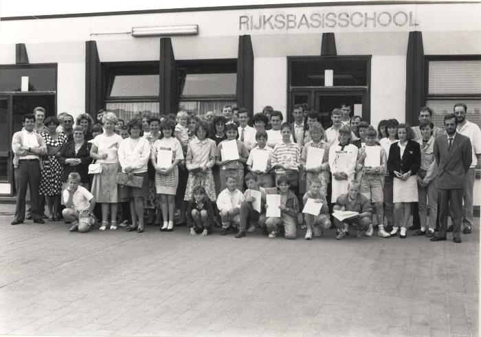 Diploma-uitreiking, Lichtervelde, juni 1990