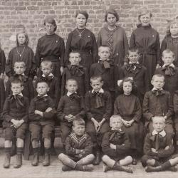 Wezenschool, Ingelmunster, ca 1930
