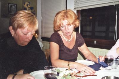 Juffrouw Yvette neemt afscheid van De Valke, Lichtervelde, december 2001