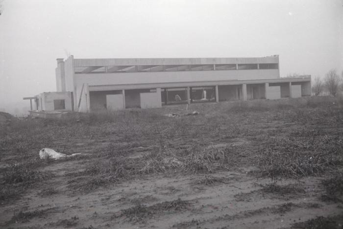 Bouw van sporthal, Moorslede december 1995
