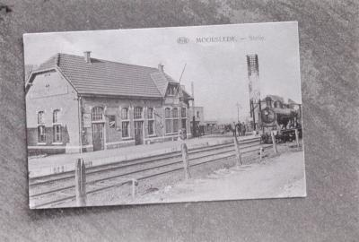 Foto van oude prentkaart: station Moorslede