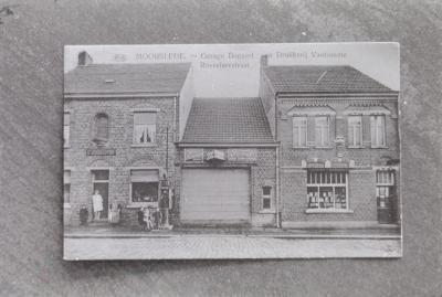 Foto van oude prentkaart: Roeselarestraat Moorslede