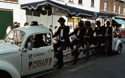 Tap en Torrestoet Dadizele: reclamewagen Pollie, 15 mei 1983