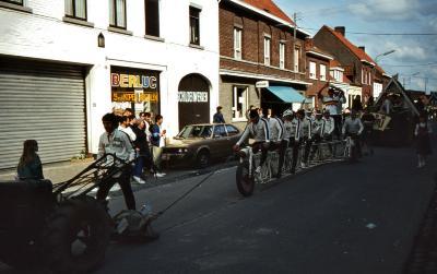 Tap en Torrestoet Dadizele: reuzemotorfiets; 15 mei 1983