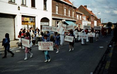 Tap en Torrestoet Dadizele: kinderen met slogans; 15 mei 1983