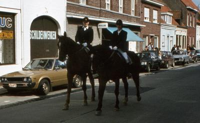 Tap en Torrestoet Dadizele: ruiters te paard; 15 mei 1983
