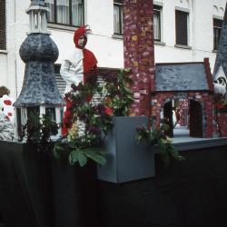 Tap en Torrestoet Dadizele: wagen met Harlekijn en Pierrots; 15 mei 1983