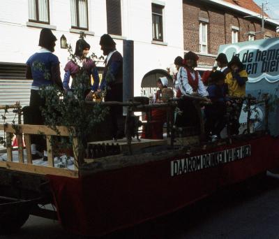 Tap en Torrestoet Dadizele: praalwagen promotie bier; 15 mei 1983