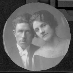 Huwelijksfoto Leon Ostyn en Georgine Vankeirsbilck