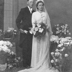 Huwelijksfoto Jules Steen en Simonne (onbekend)