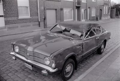 Auto-ongeval in Roeselarestraat, 1974