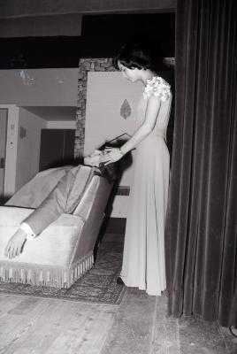 Foto's tijdens toneelopvoering, Oostnieuwkerke maart 1974
