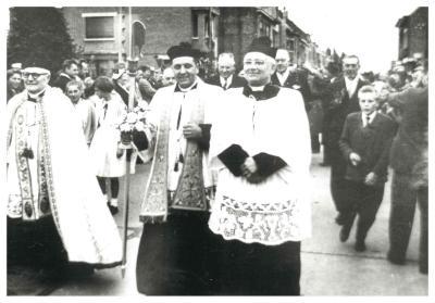 Inwijding O.-L.-Vrouwkerk, Ingelmunster, 1957