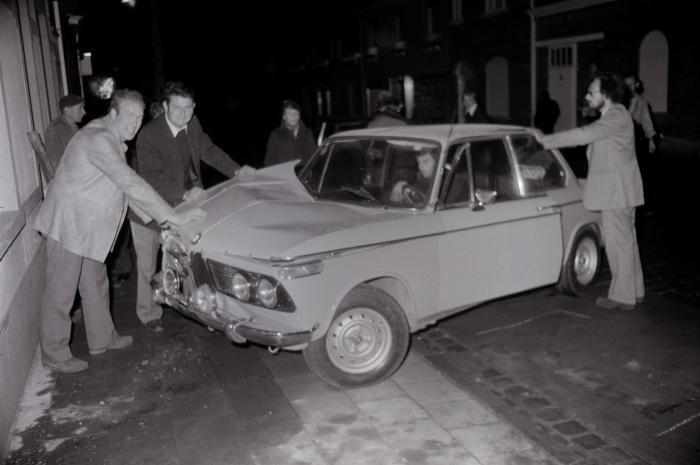 Auto-ongeval in Dadizelestraat, Moorslede 1973
