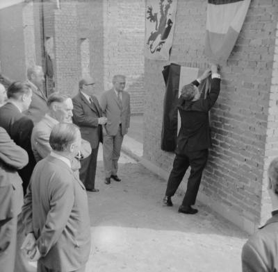 Eerste steenlegging COO-gebouw, Staden september 1973