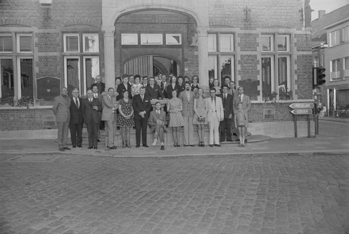 Delegatie van KNA ontvangen op gemeentehuis, Moorslede juni 1973
