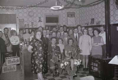 Huldiging kampioen Darts (vogelpik) café 't Kruiske, Moorslede februari 1973