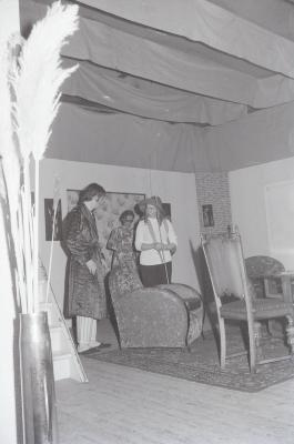 Toneelkring van KWB speelt: 'Ik ben er en ik blijf er', Moorslede december 1972