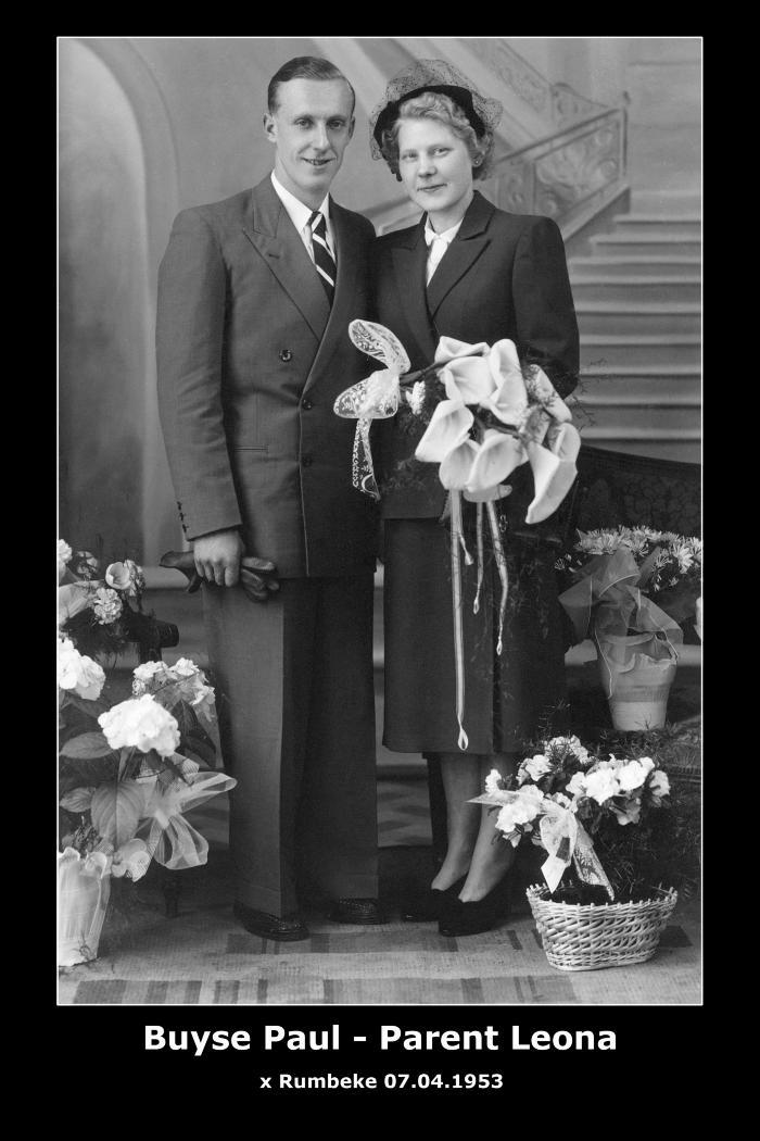Huwelijksfoto van Paul Jacob Stefaan Buyse met Leona Augusta Bertha Parent, Rumbeke, 1953.