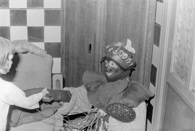 Sinterklaas op bezoek bij familie Vanryckeghem, Moorslede december 1971