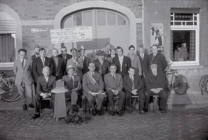 Viering kaarterskampioen Slypskapelle, 1971