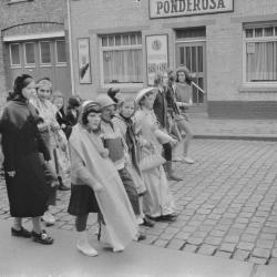 Chirojeugd viert carnaval, februari 1971