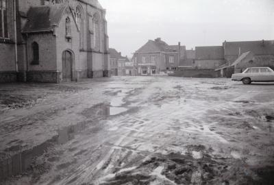 Openbare werken aan Kerkplein Moorslede, 1970