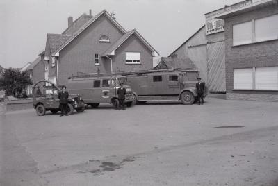 Voorstelling wagens brandweer, Moorslede 1970