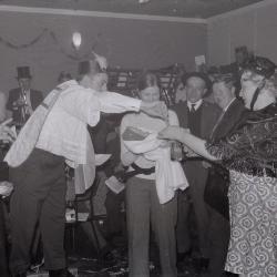 Toneelvereniging KNA viert carnaval, Moorslede 14 februari 1970