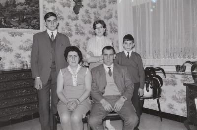 Familie Demeyere viert feest, Moorslede