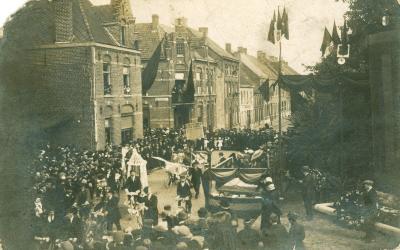 Inhuldiging praalgraf, Meulebekestraat, 1919(?)
