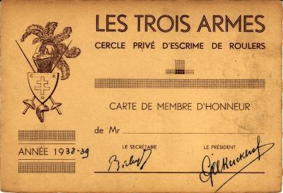 """Erelidkaart van de schermvereniging """"Les Trois Armes"""", 1938-39, Roeselare"""