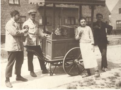 IJswagen familie Lagae