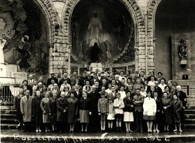 Meerdaagse uitstap  op bedevaart naar Lourdes van de H. Hartparochie , Roeselare, 1966 en 1972