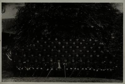 Groepsfoto pompierkorps in Rousselaere, 1907