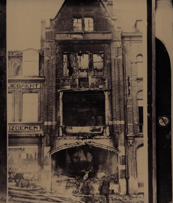Apotheek Lybeer uitgebrand, 1940