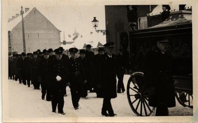 Begrafenis dhr. Vandekerckhove, Roeselare (?), 1940