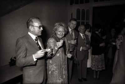 Jubileumfeest 50 jaar Davidsfonds: receptie met minister R. De Backer en burgemeester Walter Ghekiere, Moorslede april 1978