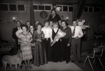 Jan Cauwelier tijdens zangcrochet (zangwedstrijd) café Rembrandt, Moorslede september 1977