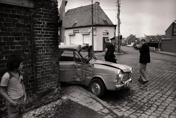 Auto-ongeval ter hoogte van café 'Nele', Moorslede augustus 1977
