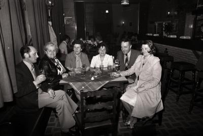 Café De Vlaschaard? bij A. Pinet en Lydia Vermeersch, Moorslede 1977