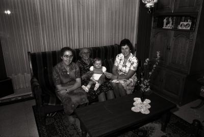 Viergeslacht Leenknegt-Wyffels, Moorslede april 1977