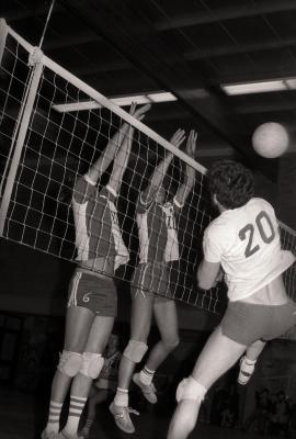Volleybalwedstrijd Doskom Moorslede-Jong Kuurne, Moorslede februari 1977