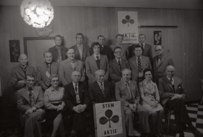 Groepsfoto lijst Aktie Gemeentebelangen, Staden december 1976