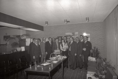 Huldiging 100ste spaarder bij Marc Dewanckel, Moorslede 1976