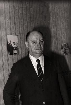 E.H. Lahousse poseert, Gullegem 1976