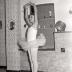 Anneke Crombez en Els Demuelenaere als danseresjes, Staden 1976