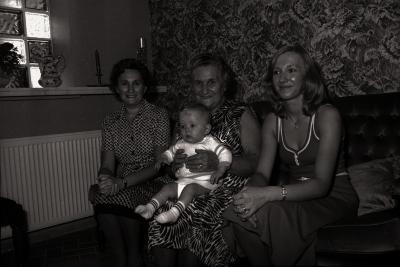 Vrouwelijk viergeslacht Decommere-Vandevoorde, Moorslede 1976