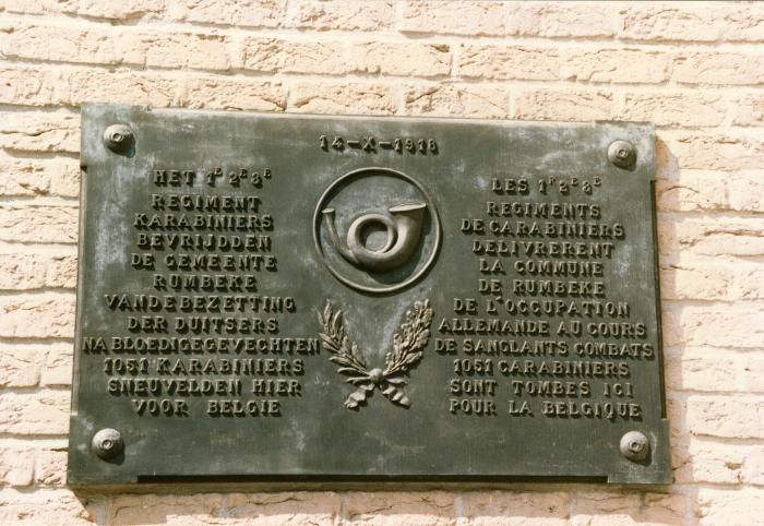 Gedenkplaat van de Karabiniers