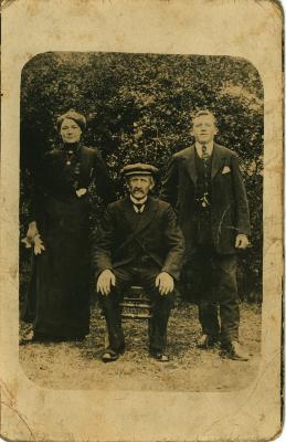 Familiefoto, Oostnieuwkerke, 1916